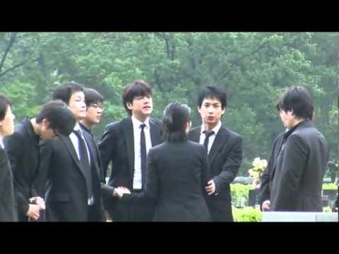 朴容夏 2010.07.02 入墓儀式結束後