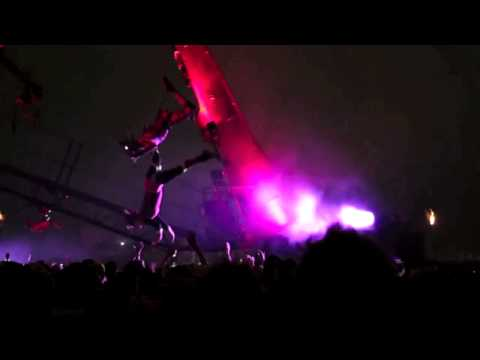 OfficialFatBoySlim - This was my (not so) secret gig on the Saturday night of Glastonbury 2013 at the incredible and unique Arcadia. If you were there i hope you managed to get w...
