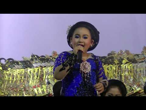 Video Dimas Niken Salindri (gabungan2 video) download in MP3, 3GP, MP4, WEBM, AVI, FLV February 2017