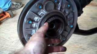 5. 2005 Suzuki M50 Boulevard - Remove the wheels - Part 1