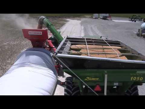 Iron Talk-Temporary Grain Storage (From Ag PhD #592 8/9/09) (видео)