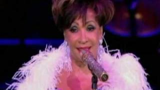 Shirley Bassey - I Am What I Am (2009 Live at Electric Proms)