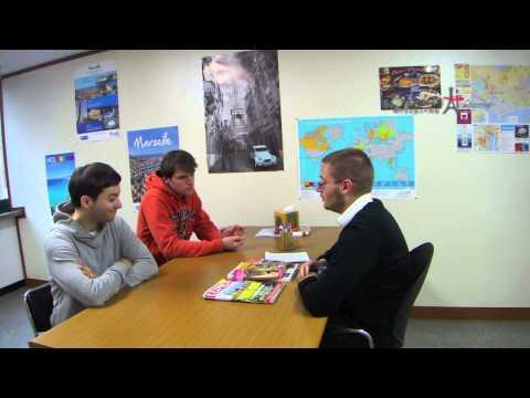 Dialogue 14 : A l'agence de voyage