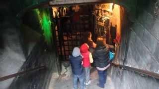Entrance To The Clink Prison Museum, London / Вход в Музей Тюрьмы, Лондон