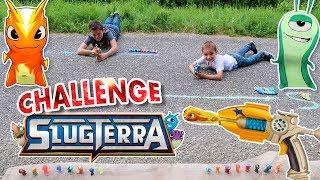 Swan et Néo découvrent figurines et pistolets Slugterra (un peu comme des Nerfs) puis s'affrontent dans un challenge de tirs de...