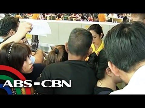 cebu - Napuno naman ang NAIA Terminal 3 ng mga galit na pasahero kaninang umaga dahil sa mga delayed at kanseladong flight ng Cebu Pacific. Subscribe to ABS-CBN News channel!