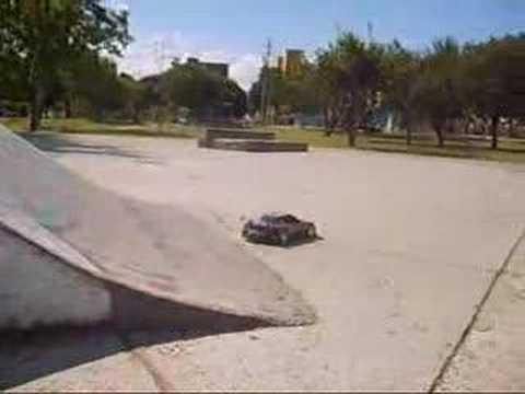 Drift King - Mazda RX7 Skate Park Drifiting -