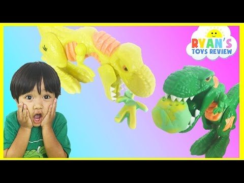 Play do Jurassic world wreck 'n Roar Dinosaur game for kids