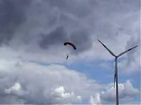 Salto Base en Paracaídas desde Turbinas Eólicas