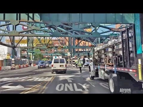 Driving Downtown - Long Island City 4K - New York City USA
