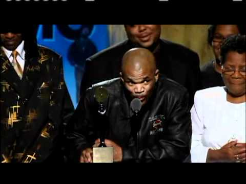 Run DMC accepts award Rock and Roll Hall of Fame Inductions 2009