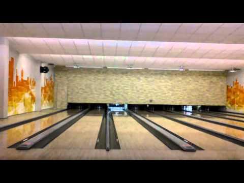 Ungewhnliche Bowling Technik + 2 Strikes.mp4