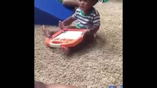 Funny Video:Baby Dancing to Hiphop Music