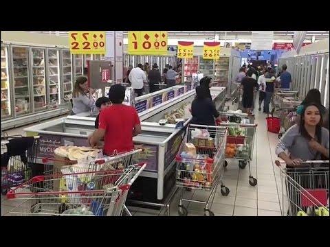 Κατάρ: Σε κατάσταση πανικού οι κάτοικοι σπεύδουν στα σούπερ μάρκετ