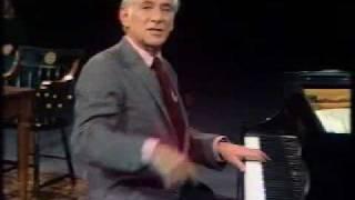 Bernstein performs Mozart's 40th Symphony - 1/3