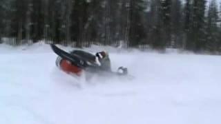 10. Yamaha Venture 700 in powder snow