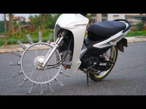 NTN - Thử Đi Xe Máy Bánh Gắn Lò Xo (Ride a motorcycle with spring on wheels) - Thời lượng: 10:35.
