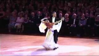 Blackpool 2010 Ballroom Dancing Pro Final - Waltz