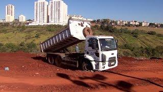 Prefeitura retoma obras no Sambódromo quatro meses após cratera se abrir com as chuvas