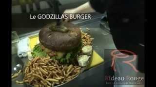 Le Burger Extrême du Rideau Rouge : Le plus gros burger au Canada!