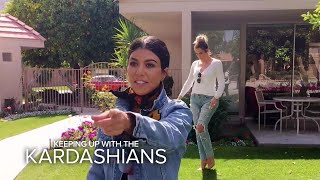 Video KUWTK | Kardashian Sisters Visit Their Grandparents' Old House | E! MP3, 3GP, MP4, WEBM, AVI, FLV Juni 2018
