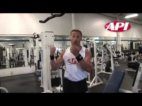 Malaysia Bodybuilding Training Tips – Seated Bicep Curl
