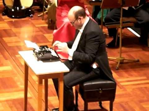 打字機亂入交響樂團,意外的融合又有趣!