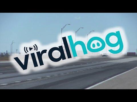 ΗΠΑ: Ισχυροί άνεμοι παρασύρουν φορτηγό
