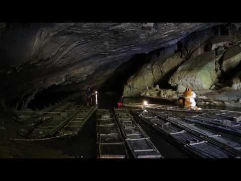 ล่องแพสำรวจถ้ำน้ำลอด ปางมะผ้า แม่ฮ่องสอน (видео)