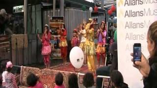 رقص بچه های ایرانی در جشن تیرگان در بریزبین استرالیا