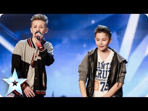Simon - See more from Britain's Got Talent at http://itv.com/talent Simon finally gets around to pushing his Golden Buzzer for a youthful musical duo. Bars & Melody ...