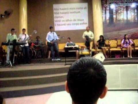 Lydia Moises cantando em Caiaponia goias-Assembleia de Deus -sede