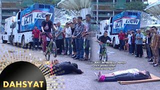Video Syahnaz Cut & Denny Raffi Tiduran dan Dilompati Sepeda BMX [Dahsyat] [5 Feb 2016] MP3, 3GP, MP4, WEBM, AVI, FLV Maret 2019