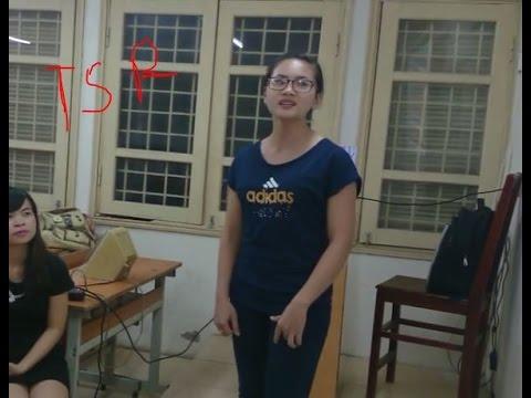 Em đi trên cỏ non - Cô gái trẻ xinh đẹp người Mông gốc Việt hát cực hay