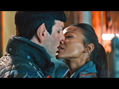 The relationship between Spock and Nyota. Kissing scene. Star Trek Into Darkness 2015