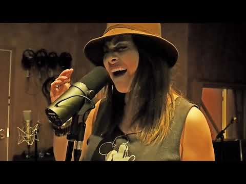 """Netta Laurenne Official - Dio's """"Don't Talk to Strangers"""" with Smackbound/Run for Cover Band"""