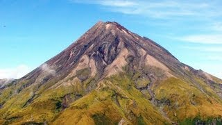 Mount Taranaki New Zealand  city photo : Awesome Helicopter Flight over New Zealand's Mount Taranaki Volcano.