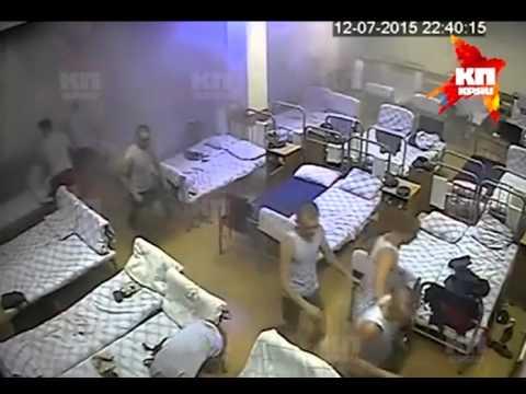 Второе видео обрушения омской казармы ВДВ (с другой камеры)