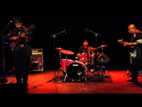 Jean-Paul Bourelly Trio-Tribute to Jimi Hendrix-Jazzebre 2014 (Part 1)