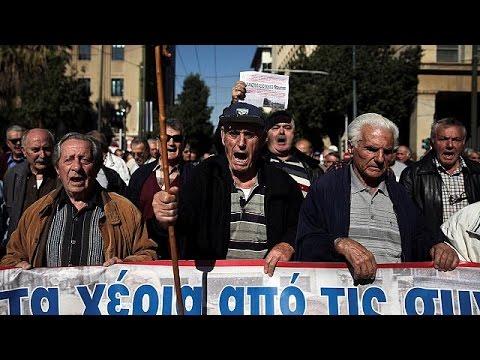 Πορεία συνταξιούχων για το «μαχαίρι» στις επικουρικές – world