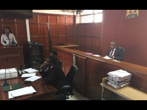 Court awards girl who was strip-searched by a cop Ksh. 4 million (видео)