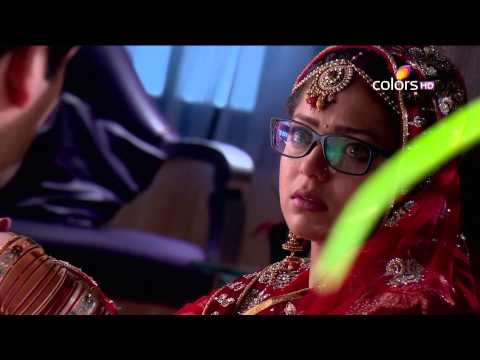 Madhubala - Madhu's mentally challenged husband, Raj Kumar aka Raju asks her to leave his room when she refuses to tell him a story. Outside the room, Tamanna makes fun ...