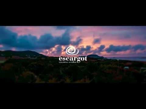 Escargot Restaurant - Colorful Kitchen in Costa Rei