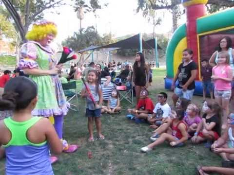 Hire petals the clown and friends clown in riverside for Face painting clowns for birthday parties