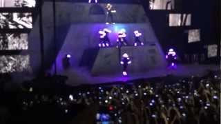Chris Brown Live Paris Bercy 07/12/12 - Intro + Beautiful people