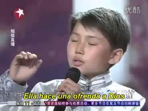 Niño Chino  canta a su madre que esta en el cielo sub español-