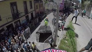 Follow the Leader Urban Downhill MTB Edition   Red Bull Valparaíso