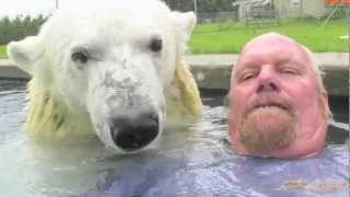 Video The Only Man In The World Who Can Swim With A Polar Bear: Grizzly Man MP3, 3GP, MP4, WEBM, AVI, FLV Agustus 2017