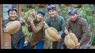 Video INDAHNYA BERBAGI Part 13 Kreatifnya Ibu Susi BONUS Durian Bawor Rp 700 ribu MP3, 3GP, MP4, WEBM, AVI, FLV Juli 2018