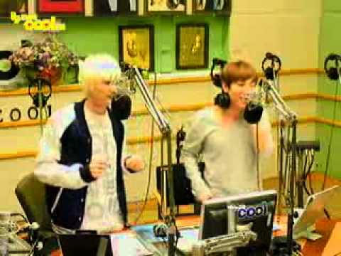 """111115 sukira – EunTeuk sing """"Wonder Girls medley"""""""